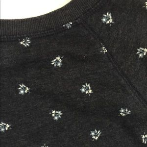 Old Navy Sweaters - Old Navy Blue Floral Pullover Sweater XS Long Slee
